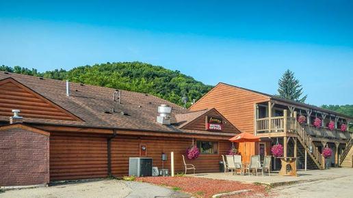 Country Garden Lounge